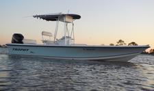 Charter This 24' Trophy Bayliner!