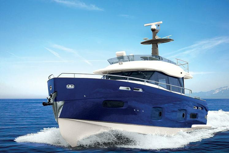 Cruise the Waters off of Sanibel Island on this Gorgeous Yacht