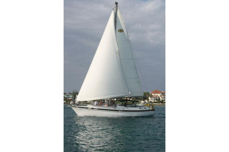Cruiser boat for rent in Nassau