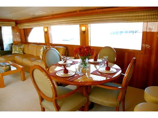 This 75.0' Hatteras cand take up to 12 passengers around Palm Beach Shore