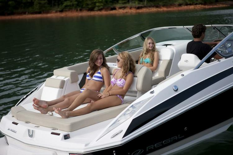 Perfect All Around Boat: Ski, Wake Board, Fish, Sundeck, Dive
