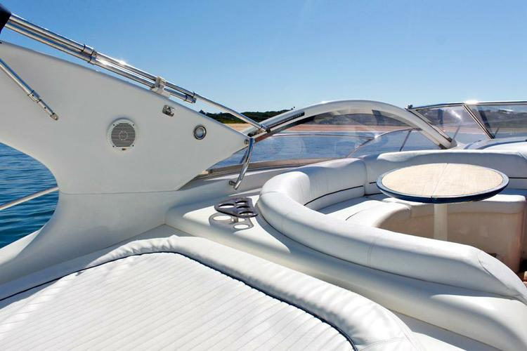 Boating is fun with a Express cruiser in Vilamoura