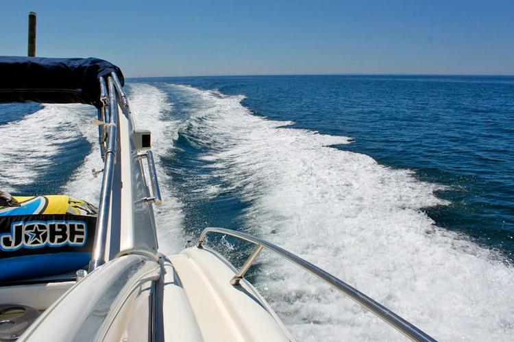 Discover Vilamoura surroundings on this 47 Atlantis boat