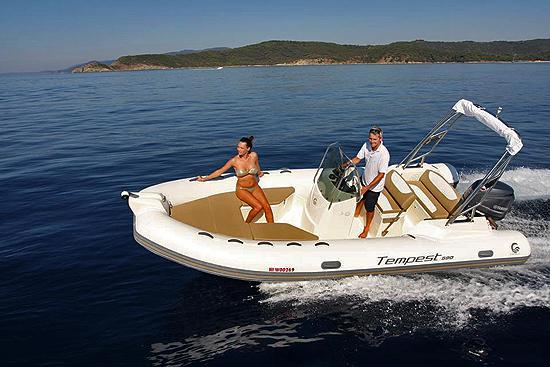 If you want a versatile boat, this is your choice!