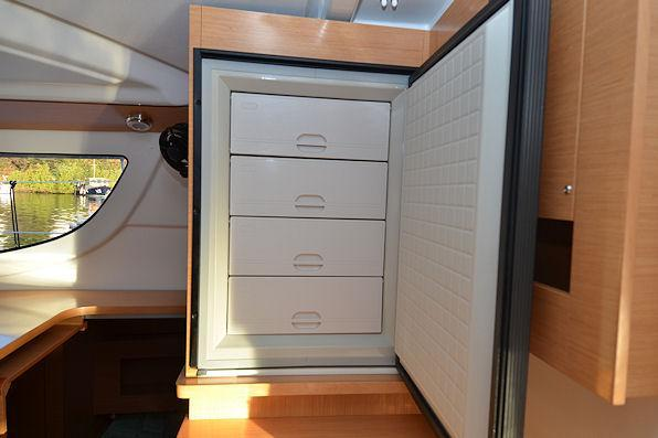 40.0 feet Fountaine Pajot in great shape