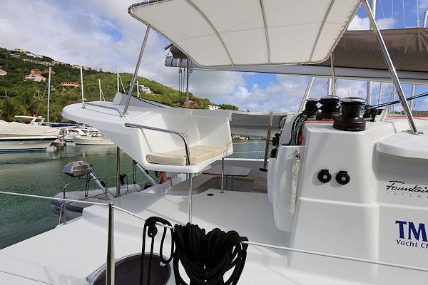 This 40.0' Fountaine Pajot cand take up to 8 passengers around Road Town
