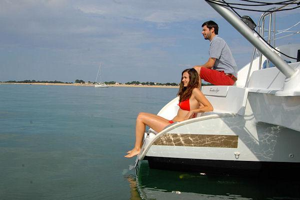 Discover Road Town surroundings on this Lipari 41 Evolution Fountaine Pajot boat