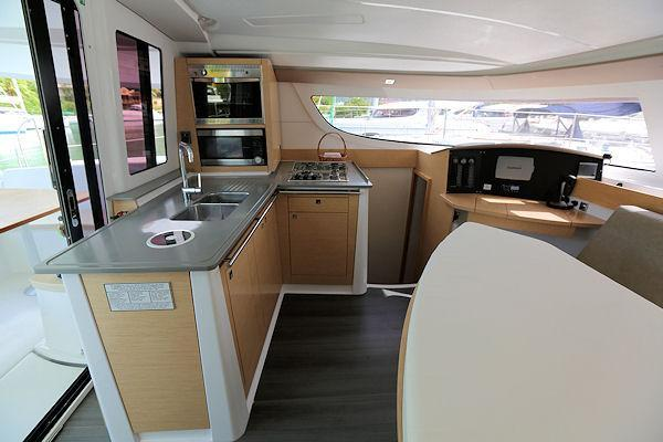 Fountaine Pajot's 40.0 feet in Road Town