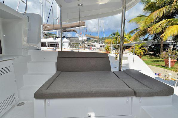 This 45.0' Lagoon cand take up to 7 passengers around Road Town