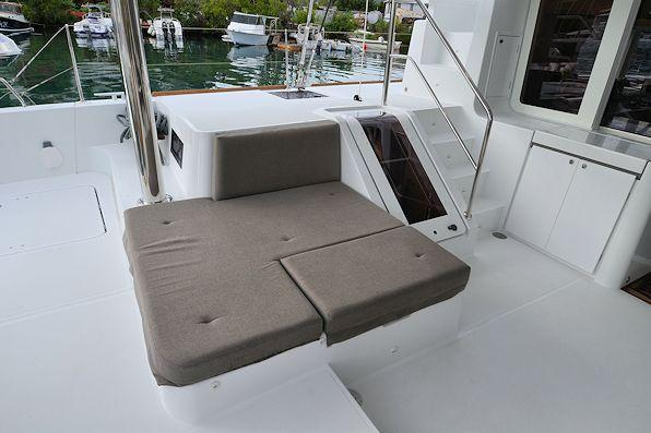 This 52.0' Lagoon cand take up to 11 passengers around Road Town