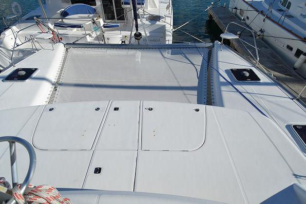 Up to 7 persons can enjoy a ride on this Catamaran boat