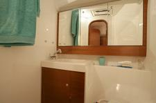 thumbnail-6 Dufour 40.0 feet, boat for rent in Horta, PT
