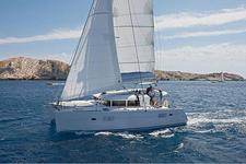 Zipping Around the BVIs on this Cat!