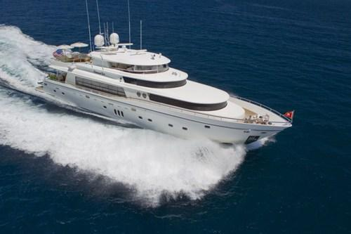 This Caribbean Yacht Exemplifies Luxury!