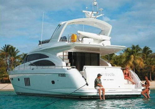 This 68.0' Princess cand take up to 6 passengers around Tortola