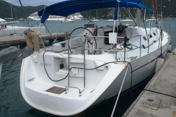 This 39.0' Beneteau cand take up to 4 passengers around Road Town