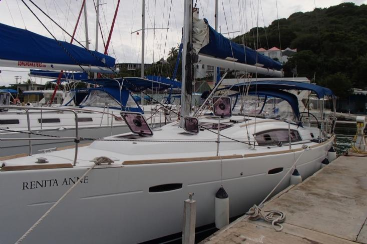 Discover Road Town surroundings on this Oceanis 40 Beneteau boat