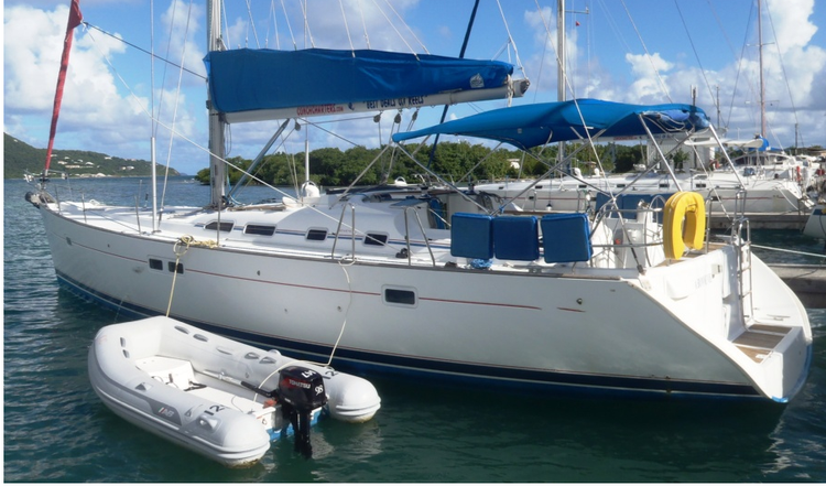 Cruiser boat rental in Fort Burt Marina,