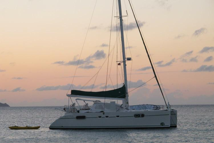 Up to 5 persons can enjoy a ride on this Catamaran boat