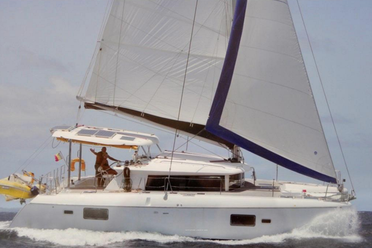 Sail to the Horizon on this Awesome Cat in the BVIs!