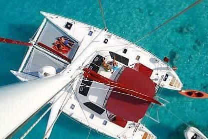 This 55.0' Lagoon cand take up to 8 passengers around Tortola