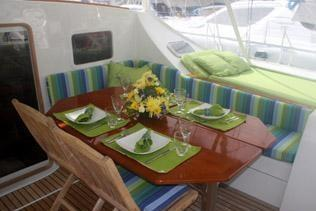 Discover Tortola surroundings on this 55 Lagoon boat