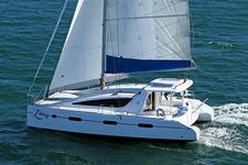 Stylish and luxurious sailing on this catamaran!