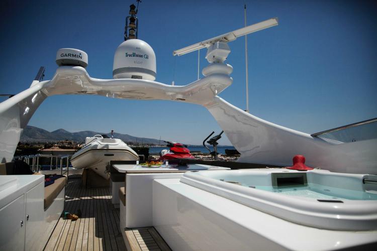 Bugari's 100.0 feet in Athens