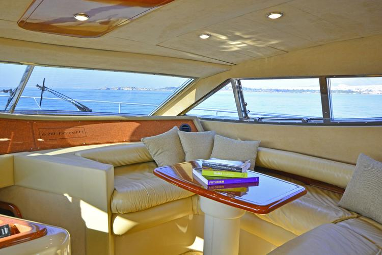 Discover Athens surroundings on this 620 Ferretti boat