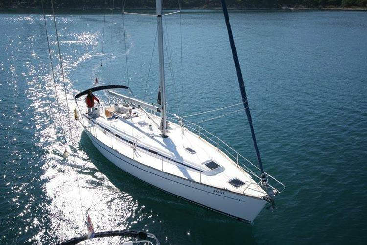 Discover Athens surroundings on this Cruiser 49 Bavaria  boat