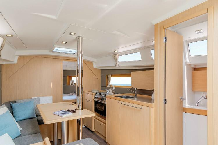 Discover Athens surroundings on this Oceanis 35 Beneteau boat