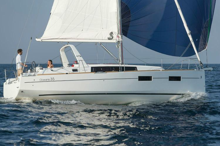 Beneteau's 35.0 feet in Athens