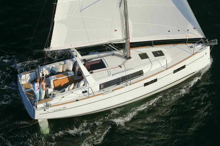Boat for rent Beneteau 35.0 feet in Athens, Greece