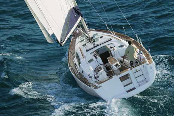 Discover Athens surroundings on this Oceanis 40 Beneteau boat