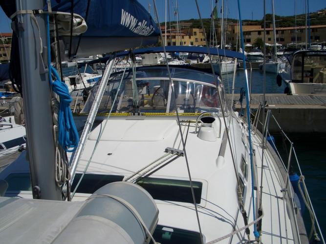 Cruiser boat rental in Marina Punta Ala,