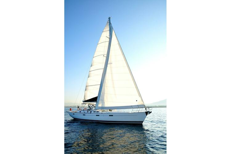Cruiser boat rental in Athens, Greece