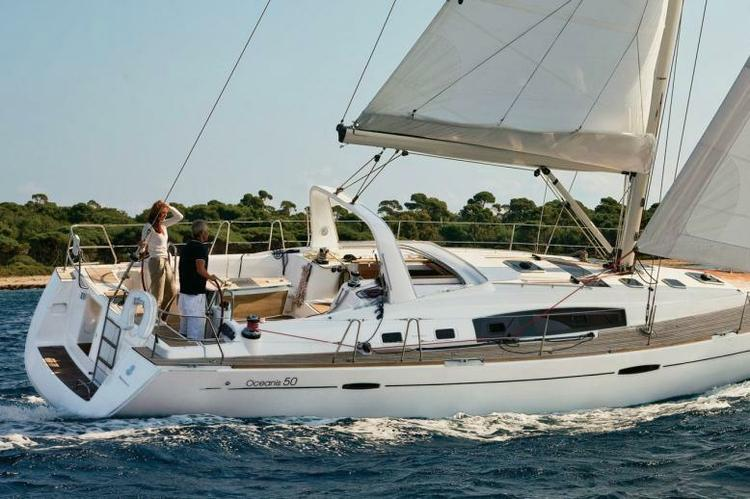Discover Athens surroundings on this Oceanis 50 Beneteau boat