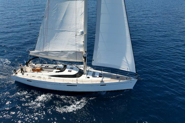 Enjoy the Med aboard this luxurious Gianetti