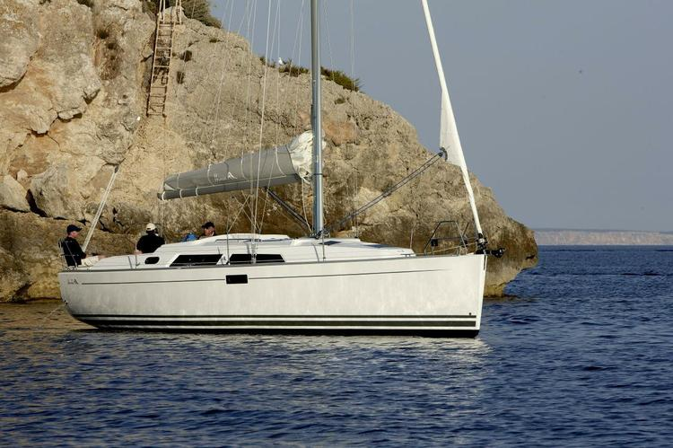 Boat for rent Hanse 35.0 feet in Athens, Greece