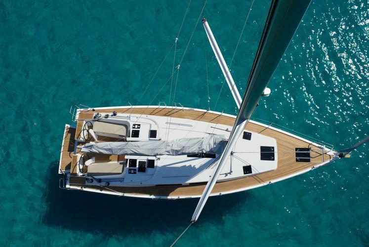 Cruiser boat rental in Athens, Greece