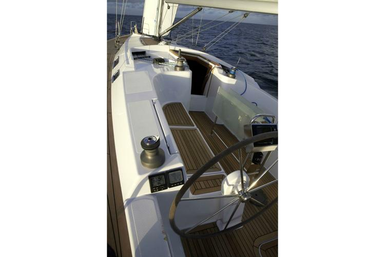 Discover Athens surroundings on this 430 Hanse boat