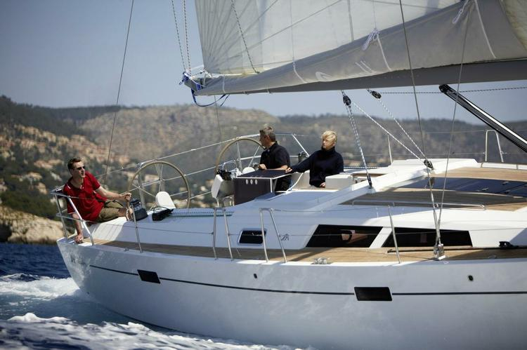 Boating is fun with a Hanse in Athens