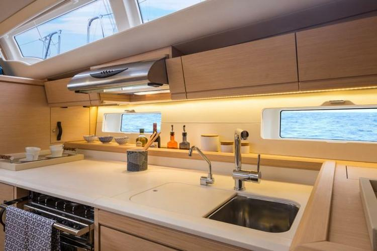 Discover Athens surroundings on this 54 Jeanneau boat