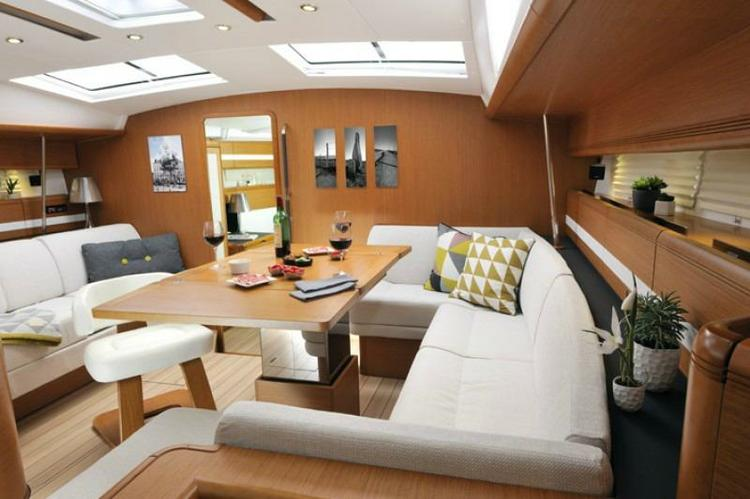 Discover Athens surroundings on this 53 Jeanneau boat