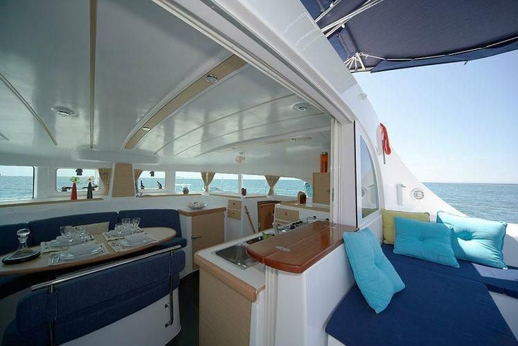 Discover Athens surroundings on this 380 Lagoon boat
