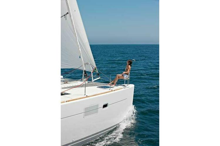 Discover Athens surroundings on this 450 Lagoon boat