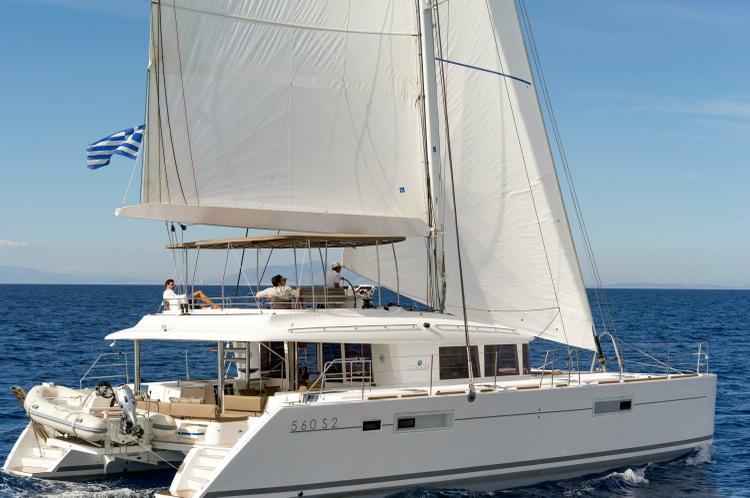 Enjoy an incredible holiday on this Lagoon 56
