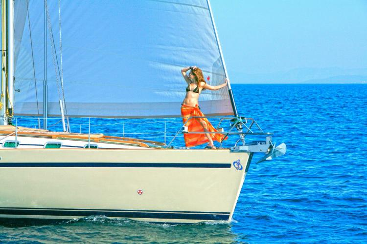 Cruiser boat for rent in Athens