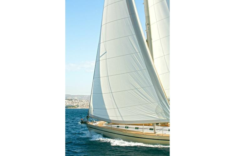 This 56.0' Ocean Star cand take up to 8 passengers around Athens