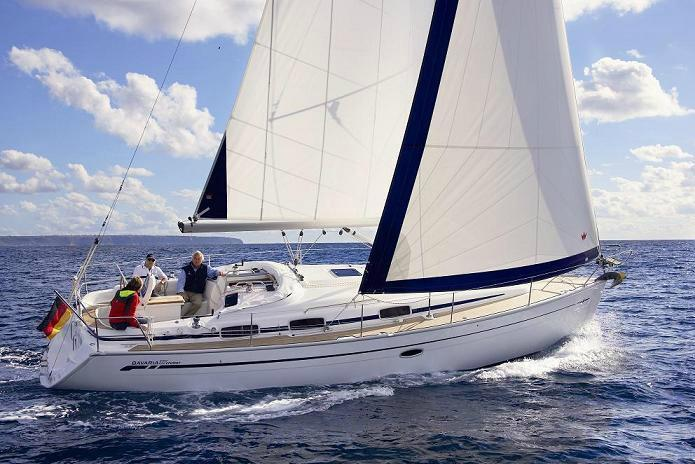 Discover Athens surroundings on this Cruiser 37 Bavaria boat